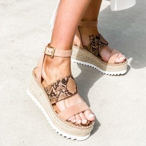 Crown Vintage Daylen Espadrille Wedges